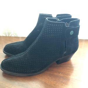 Nine West Black suede booties